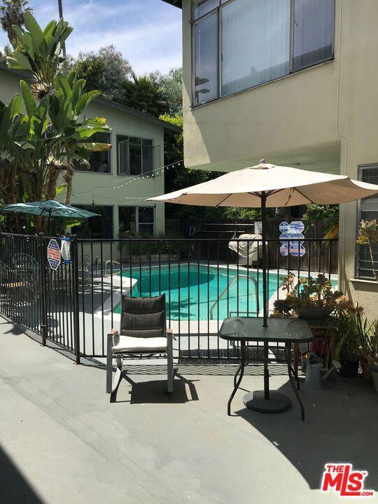 1350 N LAUREL Avenue # 8 West Hollywood CA 90046