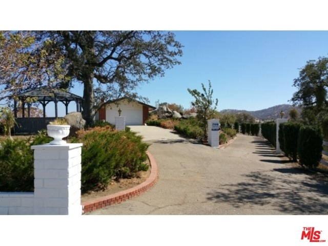 Single Family Home for Sale at 41666 Yokohl Drive Springville, California 93265 United States