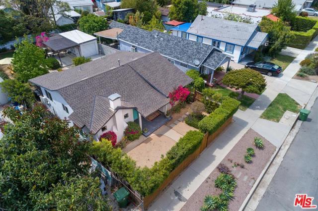 1621 N Avenue 55, Los Angeles CA: http://media.crmls.org/mediaz/63B29C81-9920-4E1A-B2A0-0D1DF32A93E1.jpg