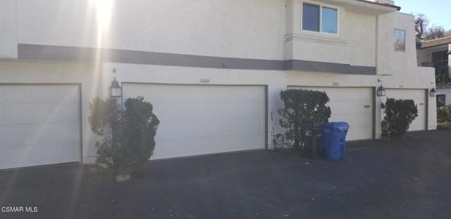 3660 Summershore Lane, Westlake Village CA: http://media.crmls.org/mediaz/63CC5D59-FFE9-4A2E-BE3B-969C469C67FA.jpg