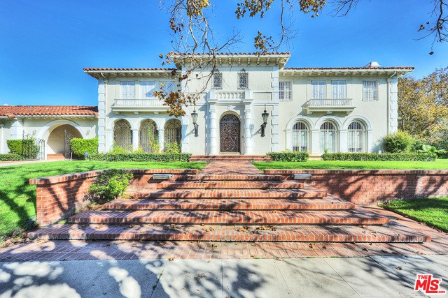 Single Family Home for Sale at 184 Hudson Avenue S Los Angeles, California 90004 United States