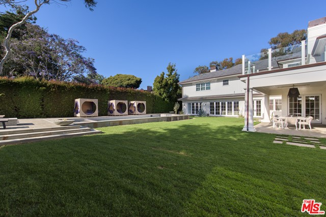 Photo of 687 Amalfi Drive, Pacific Palisades, CA 90272