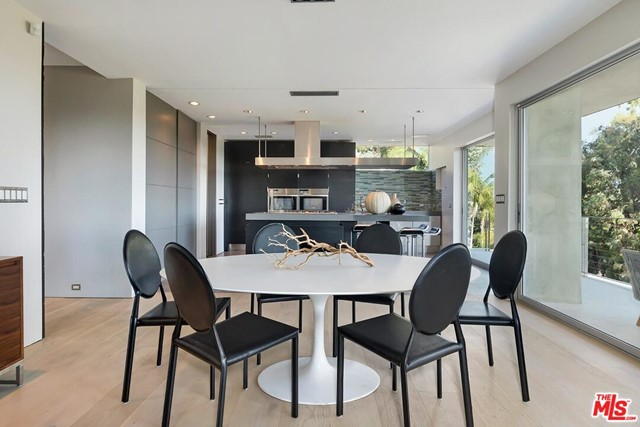 7831 Hillside Avenue, Los Angeles CA: http://media.crmls.org/mediaz/643D6F41-1E9F-4E6D-B0BF-8E41F1AD24A3.jpg