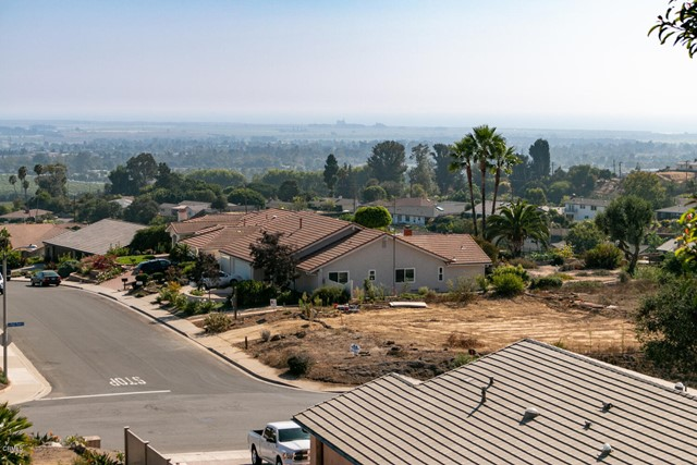 894 High Point Drive, Ventura CA: http://media.crmls.org/mediaz/644EE87B-1D75-4246-B323-2A55E57E273A.jpg