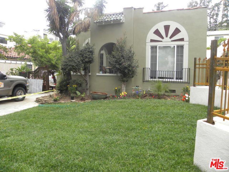 2239 N BEACHWOOD Drive #  Los Angeles CA 90068