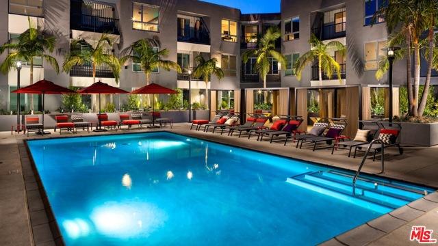 11058 Chandler Boulevard, Los Angeles CA: http://media.crmls.org/mediaz/64B25964-ACAC-45E6-8DC3-6EE666D63A85.jpg