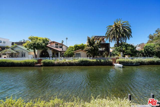 434 Howland Canal, Venice, CA 90291 photo 8