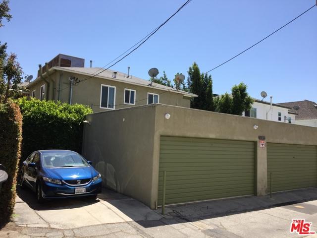449 S Doheny Drive, Beverly Hills CA: http://media.crmls.org/mediaz/64F196A5-E149-43FF-B8FE-C61227F8D017.jpg
