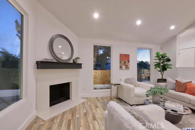 5043 Ramsdell Avenue, La Crescenta CA: http://media.crmls.org/mediaz/6506E49A-0C6A-4959-8192-7B665F4B6478.jpg