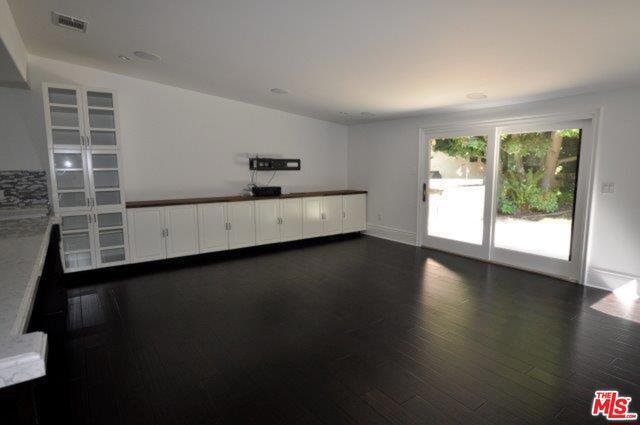 550 WARNER Avenue, Los Angeles CA: http://media.crmls.org/mediaz/650A1544-4943-45B1-BD78-A45E6DD2D06E.jpg