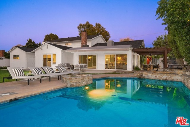 Photo of 4741 NATOMA Avenue, Woodland Hills, CA 91364
