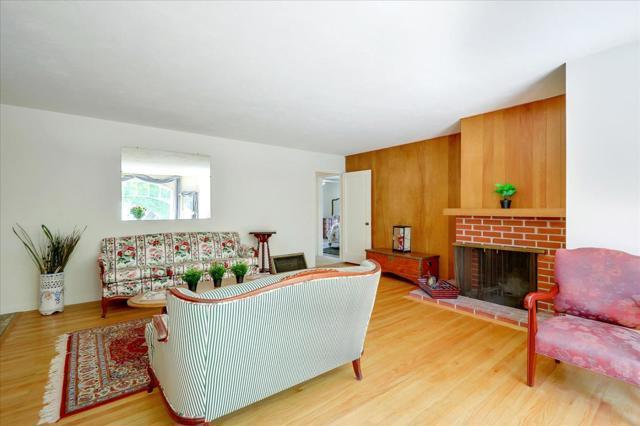 1288 Carmel Terrace, Los Altos CA: http://media.crmls.org/mediaz/65CB13CA-78B7-4690-9F49-BCBE0EE1AC24.jpg