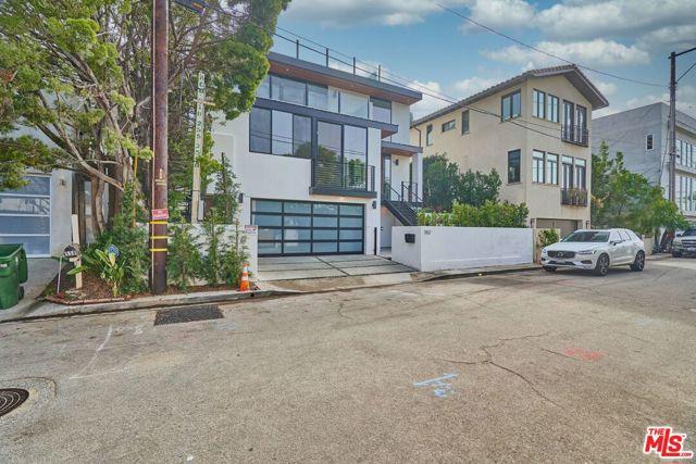 552 Stassi Ln, Santa Monica, CA 90402 photo 1