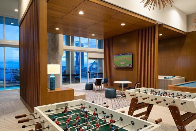 100 Park Plaza, San Diego CA: http://media.crmls.org/mediaz/65aa4687-cf8e-4812-b2ff-7430d5ed1d99.jpg