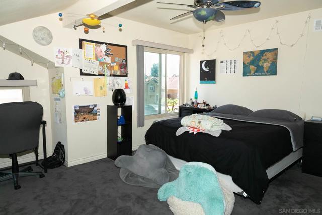 10620 Villa Bonita, Spring Valley CA: http://media.crmls.org/mediaz/65d594ce-7d45-4249-974d-ee6e10b17f9e.jpg