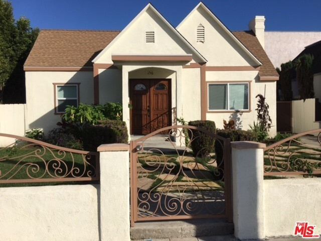 Single Family Home for Rent at 156 Edinburgh Avenue S Los Angeles, California 90048 United States