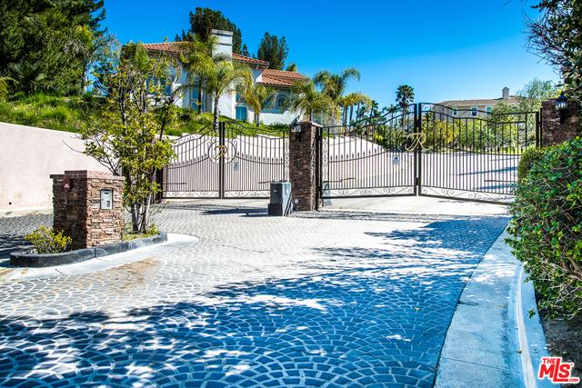 Single Family Home for Sale at 11551 Rancho Del Valle Granada Hills, California 91344 United States