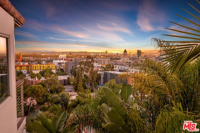 6652 WHITLEY Terrace, Los Angeles CA: http://media.crmls.org/mediaz/66385539-4631-48E2-9384-A862D414094D.jpg