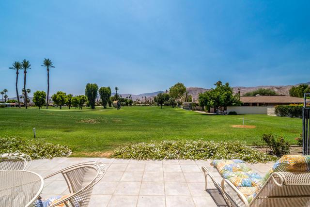 25 Columbia Drive, Rancho Mirage CA: http://media.crmls.org/mediaz/6646E4DF-9940-46C9-8215-4234DCA3F940.jpg