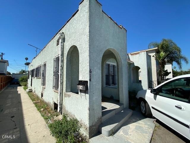 614 W 84th Street, Los Angeles CA: http://media.crmls.org/mediaz/666A1283-F0F8-4685-8BD6-93EF96BFE38C.jpg