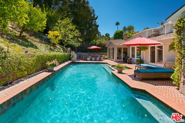 Photo of home for sale at 3666 LOADSTONE Drive, Sherman Oaks CA