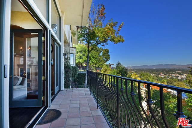 Photo of 3666 DIXIE CANYON Avenue, Sherman Oaks, CA 91423