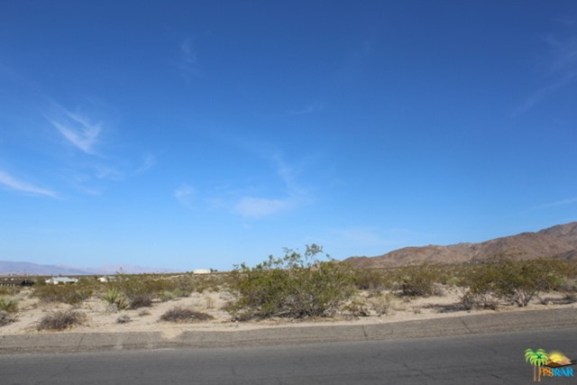 0 Indian Cove Road, 29 Palms CA: http://media.crmls.org/mediaz/67240886-E8CE-4453-8ECB-AAB830BBCE46.jpg