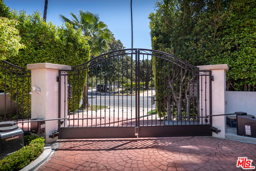 906 Benedict Canyon Drive # VILLA1 Beverly Hills CA 90210