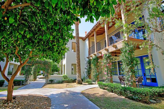 48568 Legacy, La Quinta CA: http://media.crmls.org/mediaz/67AB04FE-2AF2-4217-B0B1-ACD3E789D400.jpg