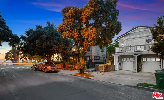 133 Hollister Ave, Santa Monica, CA 90405 photo 2