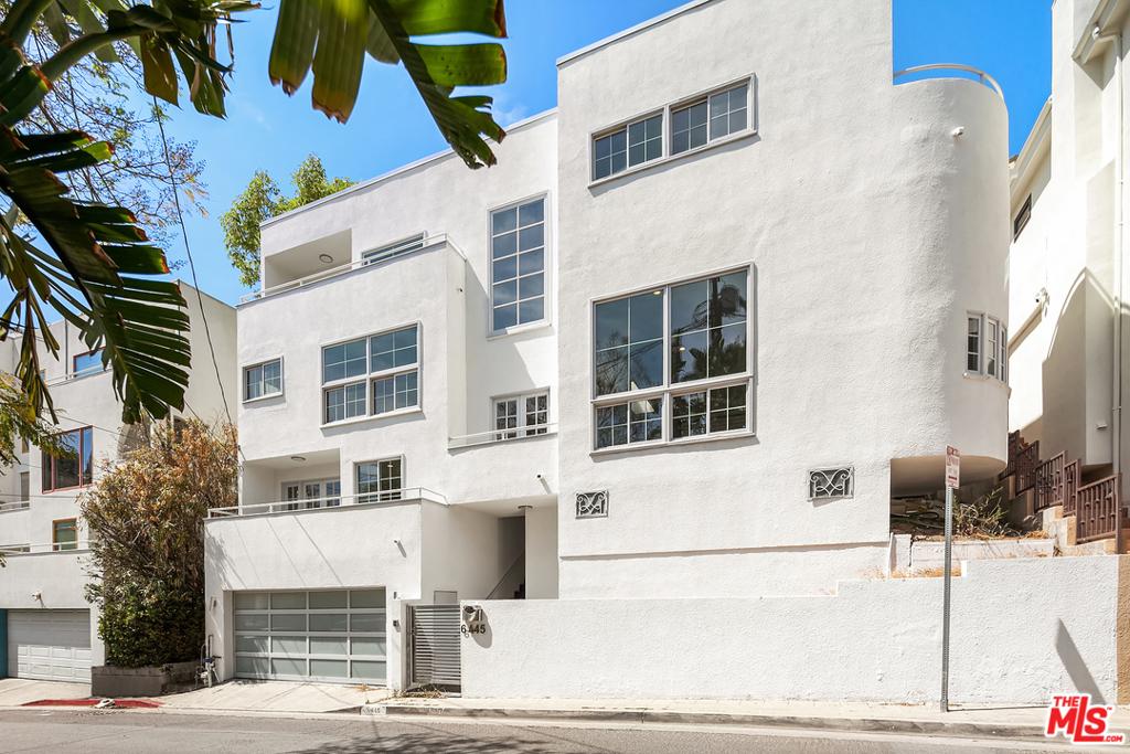 6445 Deep Dell Place #  Los Angeles CA 90068