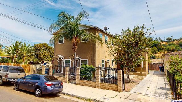 4548 Huntington E Drive, Los Angeles CA: http://media.crmls.org/mediaz/67CEB9A9-46FE-447D-86FF-331E00CE2976.jpg