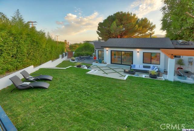 5043 Ramsdell Avenue, La Crescenta CA: http://media.crmls.org/mediaz/67ED1C7A-AFD1-458F-9F5C-A91406A9DFBB.jpg