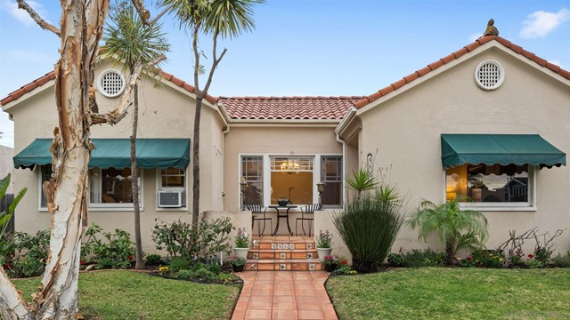 4869 Marlborough Drive, San Diego CA: http://media.crmls.org/mediaz/67F0F8EC-1703-442B-99D2-47B0DCE8850C.jpg