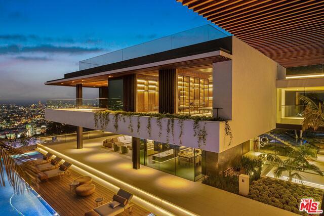 8408 HILLSIDE Ave, Los Angeles, CA, 90069