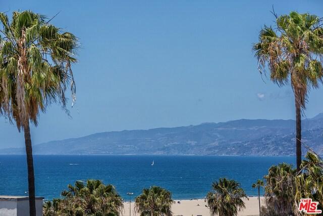Condominium for Sale at 1705 Ocean Avenue Santa Monica, California 90401 United States