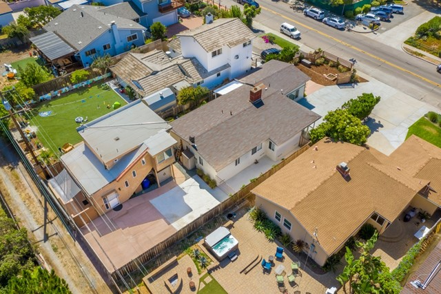 1164 Turquoise St, San Diego CA: http://media.crmls.org/mediaz/68A48791-FE58-4D81-B212-9CA856EC0D34.jpg