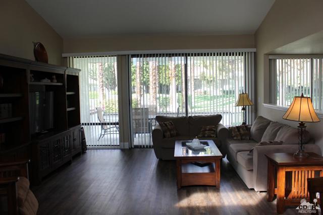 68 El Toro Drive, Rancho Mirage CA: http://media.crmls.org/mediaz/68B3D24C-5E7F-40F1-8923-38F4E0C73DD9.jpg