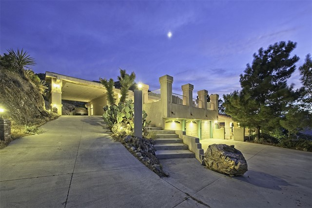 8585 Great House, Yucca Valley CA: http://media.crmls.org/mediaz/68B544C2-BC12-4F75-86EC-DA4F61286314.jpg