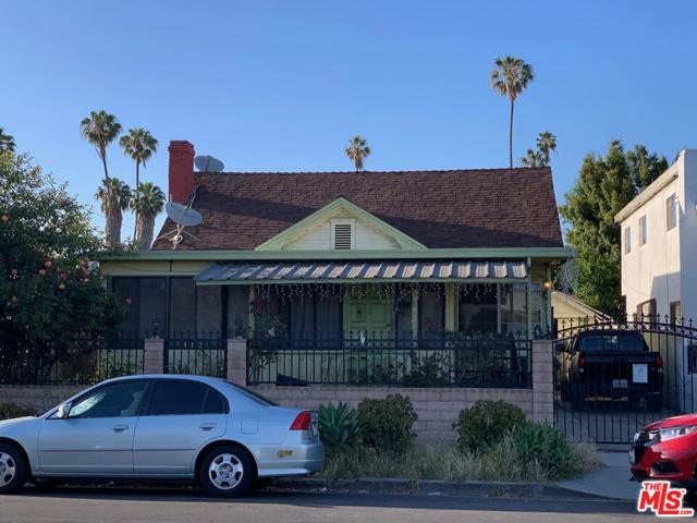 4421 OAKWOOD Avenue, Los Angeles CA: http://media.crmls.org/mediaz/68EBDA01-17B1-47DA-91B9-98F35E5A032C.jpg