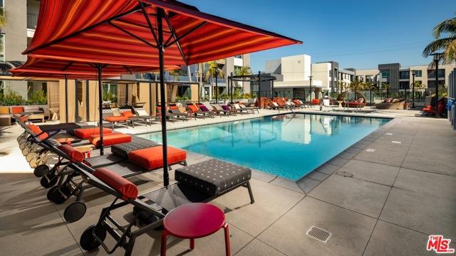 11058 Chandler Boulevard, Los Angeles CA: http://media.crmls.org/mediaz/69AE050C-58E5-4C4B-9B10-4FA55EB545C8.jpg