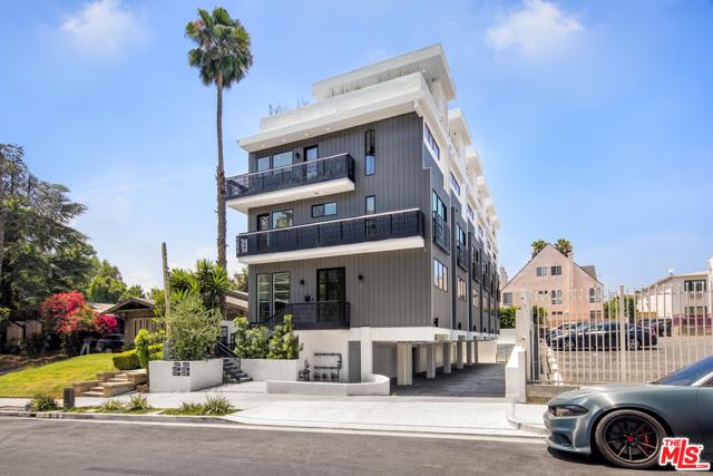1445 Martel Avenue, Los Angeles CA: http://media.crmls.org/mediaz/69EF8EA4-1E31-4905-B562-6C949A6E7DEB.jpg