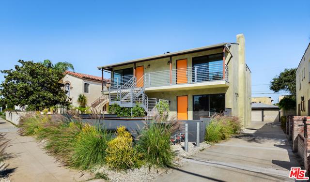 1166 S Cochran Avenue, Los Angeles CA: http://media.crmls.org/mediaz/6A3CC434-715D-499F-807D-C12BD3787814.jpg