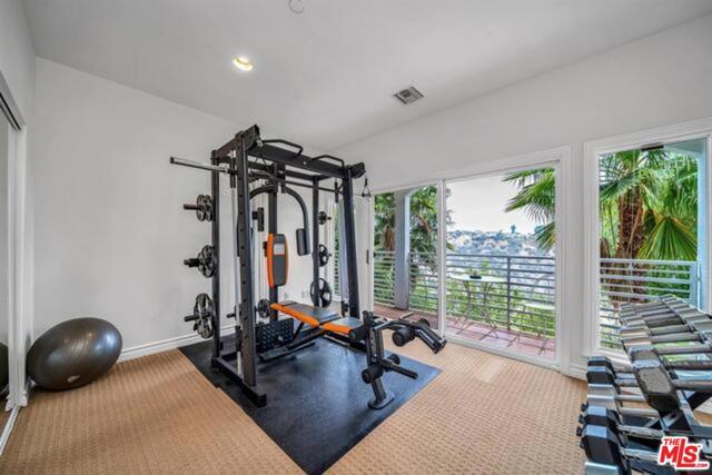 3625 Beverly Ridge Drive, Sherman Oaks CA: http://media.crmls.org/mediaz/6A866B0C-C522-4A57-B4E7-77110865BC6F.jpg