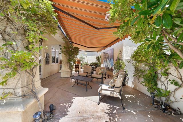 80920 Calle Azul, La Quinta CA: http://media.crmls.org/mediaz/6AB5A117-1120-43E2-BB76-507E33211049.jpg