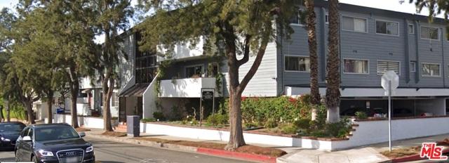 2021 California Avenue, Santa Monica CA: http://media.crmls.org/mediaz/6B12D1F1-DB84-4456-BAE8-7610A77D2146.jpg