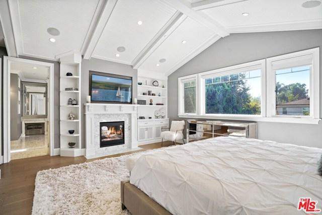 4053 Laurelgrove Avenue, Studio City CA: http://media.crmls.org/mediaz/6B1EA899-1F35-48E3-AFEC-F347761D732A.jpg