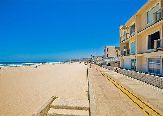 Photo of home for sale at 3755 Ocean Front, San Diego CA