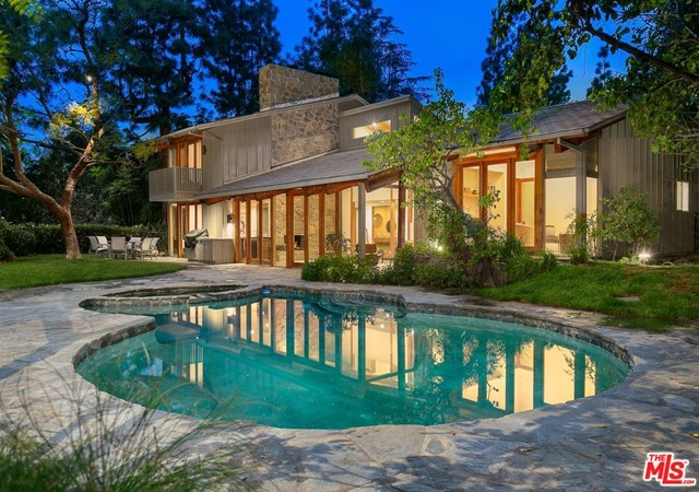 1238 BENEDICT CANYON Drive  Beverly Hills CA 90210