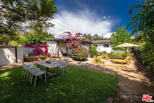 1621 N Avenue 55, Los Angeles CA: http://media.crmls.org/mediaz/6BC377A6-A195-4044-A8E9-6D90C8544A31.jpg